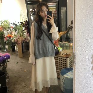 时尚套装秋季v领毛衣马甲背心+打底蕾丝边连衣裙两件套女