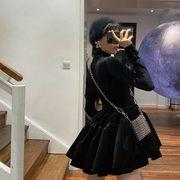 2020年秋冬女赫本风小黑裙收腰显瘦气质打底丝绒蓬蓬连衣裙女