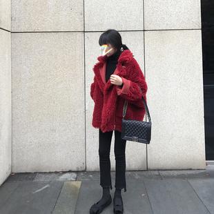 冬季时尚红色皮毛一体短款羊羔毛绒外套女加厚宽松毛呢大衣机车服