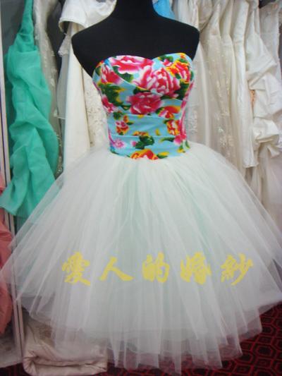 Вечернее платье 爱人的婚纱礼服金典花布抹胸小礼服 魅力个性礼服