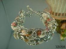 Más de un centenar de cinta Chanel chanel brazalete de diamantes de la moda sección 2 colores plata intermitente