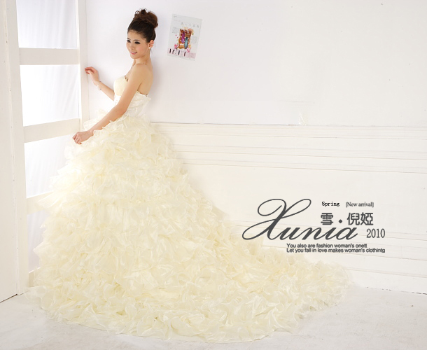 Свадебное платье DH/252 Атлас, сатин Длинный шлейф