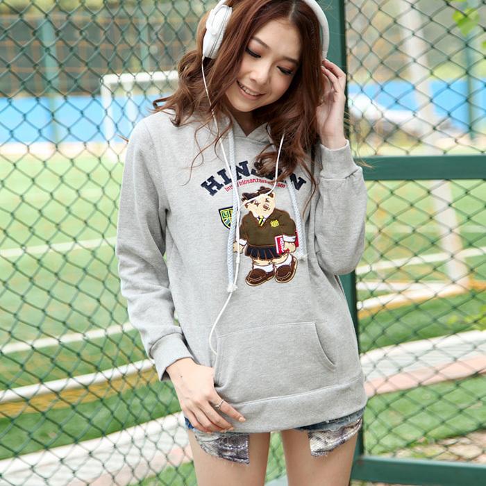 Толстовка женская Hinsan 6762 2012 пуловер персонажи мультфильмов классический рукав
