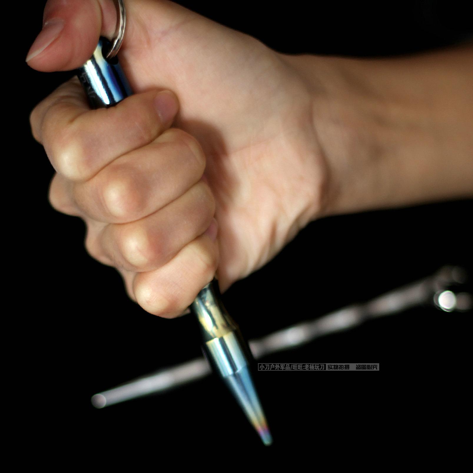 防身武器 防身用品 女防身器 户外防护工具 小马哥钛合金防身酷棍