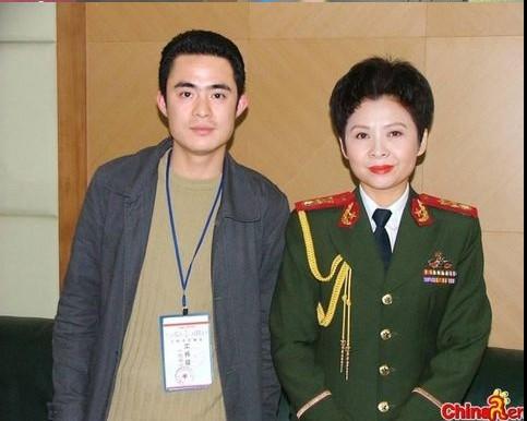 lotroy:赖昌星和董文华、赖文峰和杨钰莹的红楼绝密照片及事件(有图有真相)
